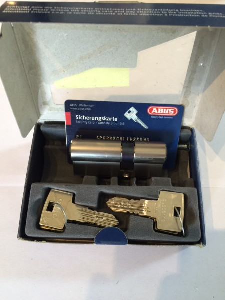 ABUS Integral J5, Länge 26/40mm mit 6 Schlüssel und Not-und Gefahrenfunktion und erhöhtem Bohrschutz